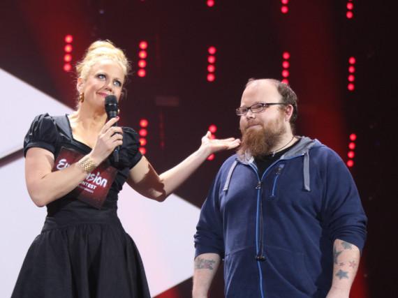 Der Moment des Rückzugs: Andreas Kümmert teilt Barbara Schöneberger mit, dass er nicht zum ESC antritt