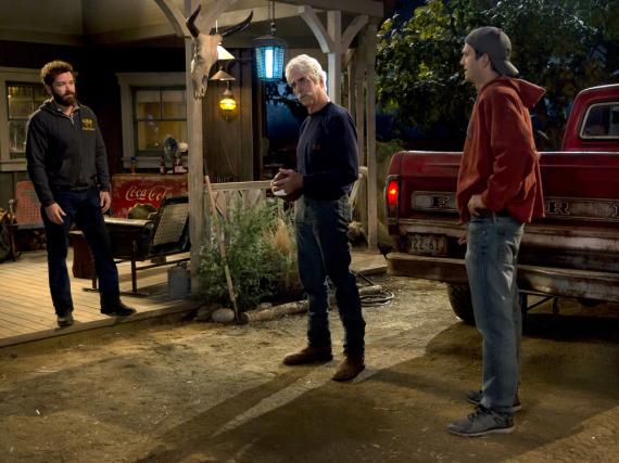 Colt (Ashton Kutcher, rechts) muss auf der Farm seiner Familie aushelfen