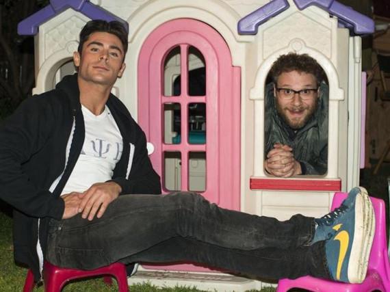 Immer noch echte Spielkinder: Zac Efron (li.) und Seth Rogen
