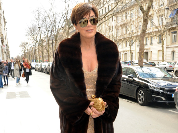 Kris Jenner im Pelzmantel während der Fashion Week in Paris: Echter Pelz gilt gemeinhin als modisches No-Go