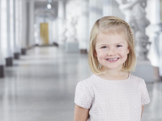 Neues Amt: Prinzessin Estelle ist seit zwei Wochen große Schwester - aber mit ihren vier Jahren trotzdem noch süß
