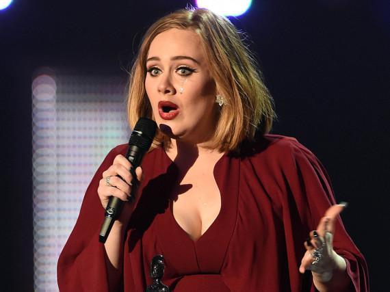 Adele hat Angst auf Rihannas Konzert zu viel Marihuana abzubekommen