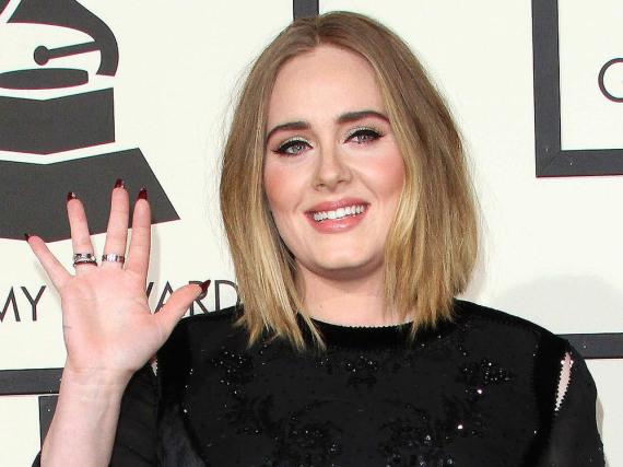 Superstar Adele scherzt über ihre vermeintliche Twerk-Einlage auf der Bühne