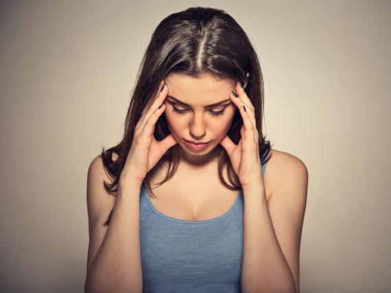 Eine kurze Schläfenmassage wirkt oft schon Wunder gegen Stress