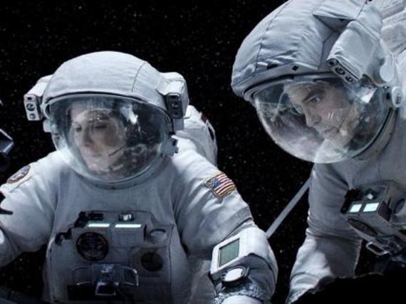 Sandra Bullock und George Clooney im Weltall