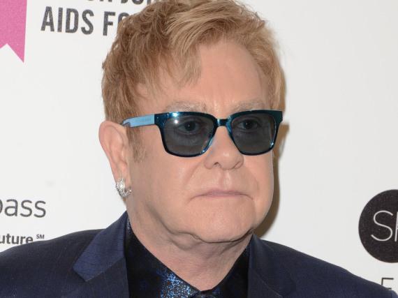 Elton John wird sexuelle Belästigung vorgeworfen