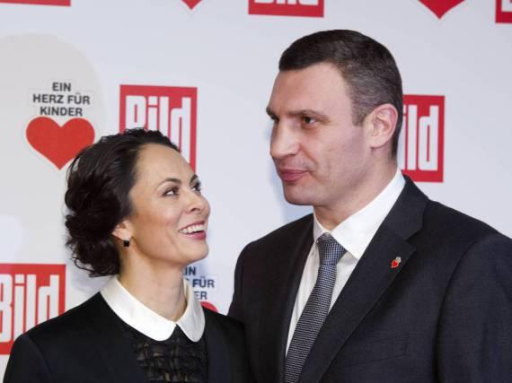 Vladimir Klitschko muss während der Konzerte seiner Frau Natalia hinten sitzen