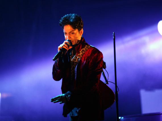 Die Ergebnisse der Autopsie von Prince lassen noch auf sich warten