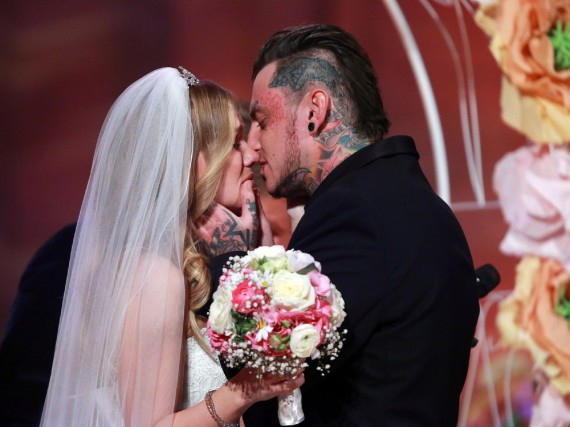 Sandra und Victor heirateten in der Event-Show im Kloster Eberbach