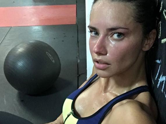 Adriana Lima legt viel Wert auf Sport
