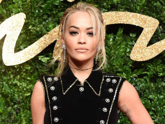 Rita Ora wehrt sich gegen die Gerüchte