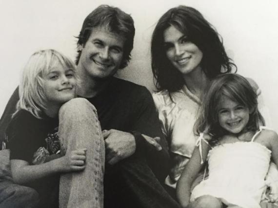 Cindy Crawford zeigt sich auf Instagram gerne mit der Familie