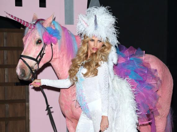 Katie Price und ihr Pferd im Partnerlook