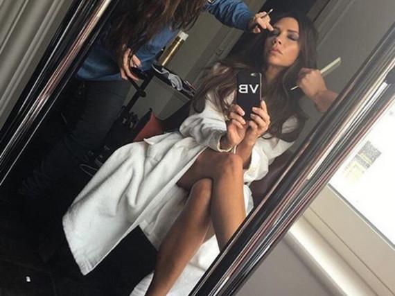 Lange Beine, brauner Teint: So sexy zeigt sich Victoria Beckham auf Instagram