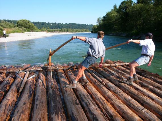 Tradition im bayerischen Lenggries: das Flößer-Handwerk