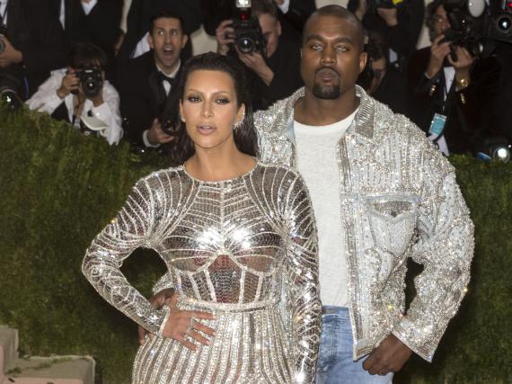 Kanye West und seine Ehefrau Kim Kardashian bei der Met Gala in New York