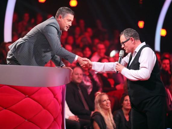 Handshake mit dem Un-Tänzer: Joachim Llambi will Ulli Potofski nicht einmal mehr bewerten