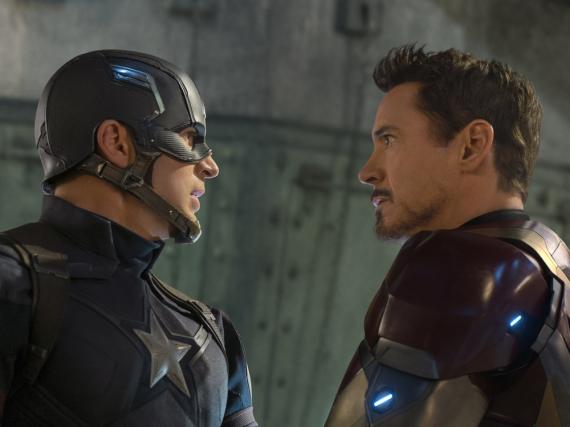 Nicht gut aufeinander zu sprechen: Captain America (Chris Evans, l.) und Iron Man (Robert Downey Jr.)
