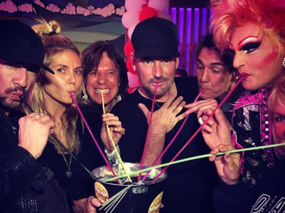 Heidi Klum und ihre bunte Ballermann-Party-Truppe