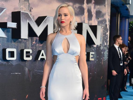 Jennifer Lawrence zeigt sich stilsicher in einem Dior-Kleid