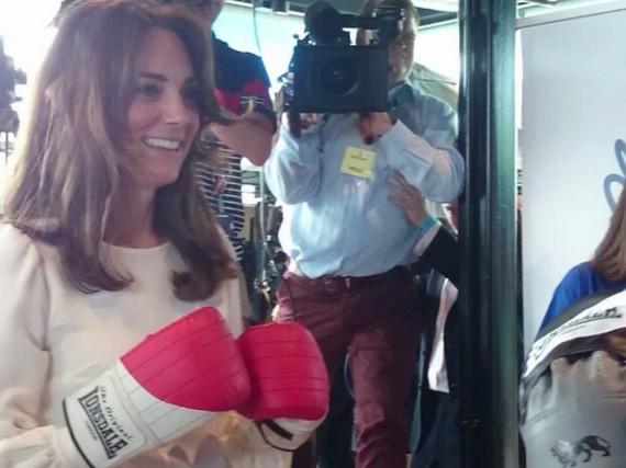 Herzogin Kate wurde bei ihrer kleinen Box-Einlage von Reportern belagert