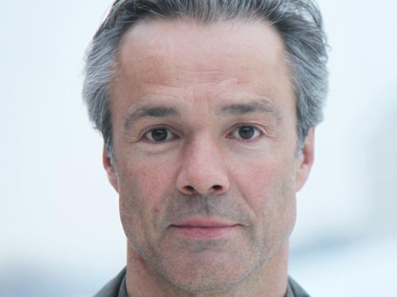 Hannes Jaenicke engagiert sich mit vielen Mitteln für eine bessere Welt - nachzulesen auch in seinem Buch