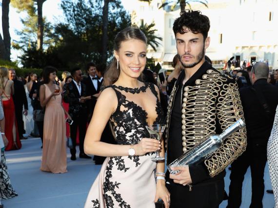 Model Xenia Tchoumitcheva mit Lagerfeld-Muse Baptiste
