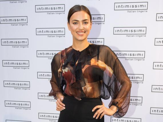 Irina Shayk besuchte am Freitagabend den Intimissimi-Store in München