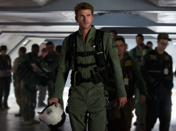 Liam Hemsworth kämpft nun gegen Aliens