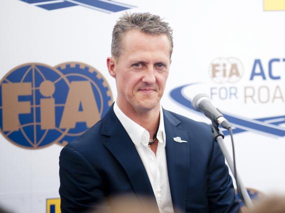 Michael Schumacher wird für seine Erfolge als Rennfahrer ausgezeichnet