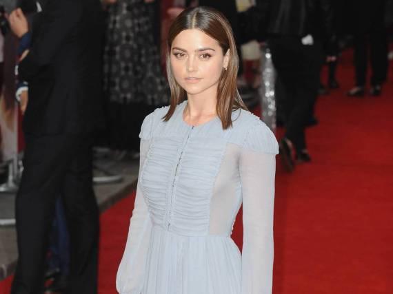 Jenna Coleman verzauberte auf dem roten Teppich in einem zeitlosen Abendkleid in Pastellblau
