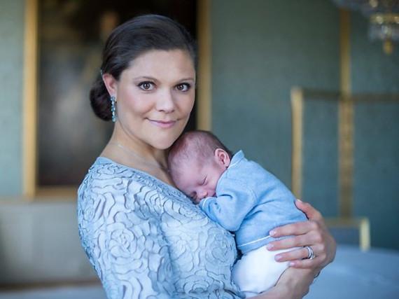 Kronprinzessin Victoria mit ihrem Sohn Oscar