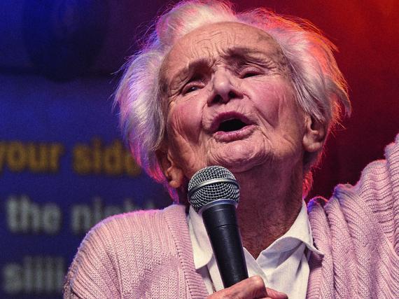 Auch mit knapp 89 Jahren noch kein bisschen leise: Johanna Penski