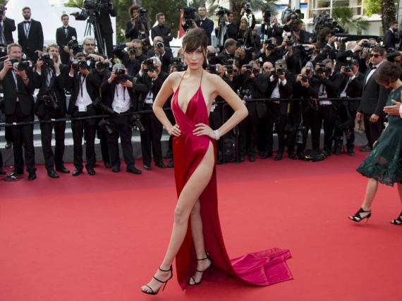 Mit diesem gewagten Kleid verzauberte Bella Hadid ganz Cannes