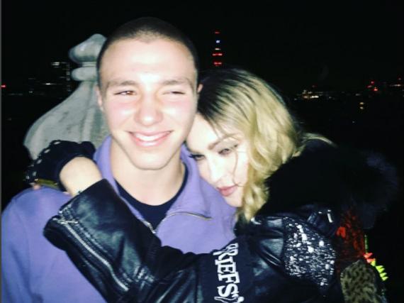 Alles in Butter? Anfang Mai hatte Madonna dieses Foto mit ihrem Sohn Rocco auf Instagram gepostet