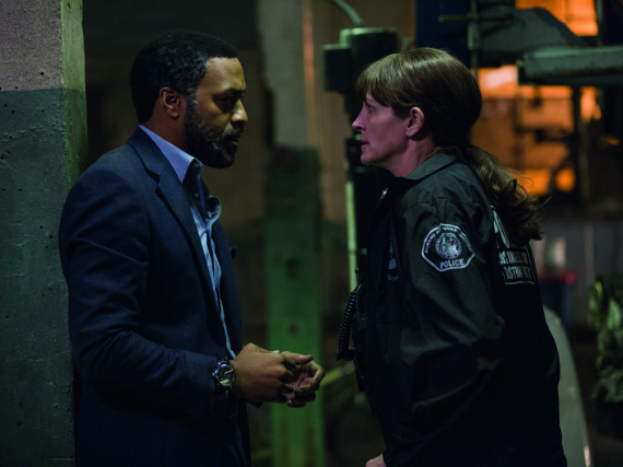 Ray (Chiwetel Ejiofor) will den Mörder von Jess' (Julia Roberts) Tochter fassen
