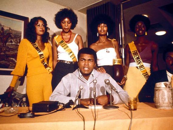 Vor seinen Kämpfen riss Muhammad Ali gerne die Klappe weit auf - und behielt damit fast immer Recht