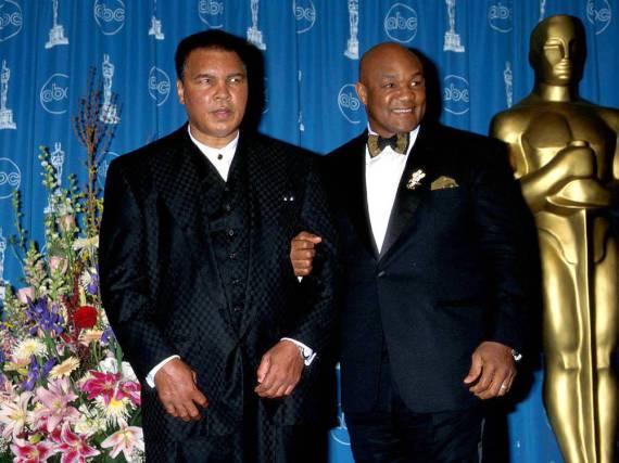 Muhammad Ali und George Foreman bei der Oscarverleihung 2011