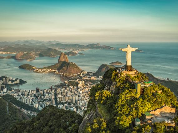Die weltberühmte Christusstatue wacht über Rio und den