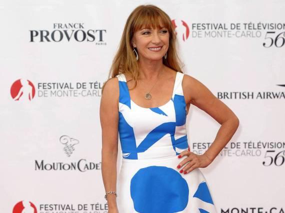 Jane Seymour erscheint sommerlich gekleidet in Monte-Carlo