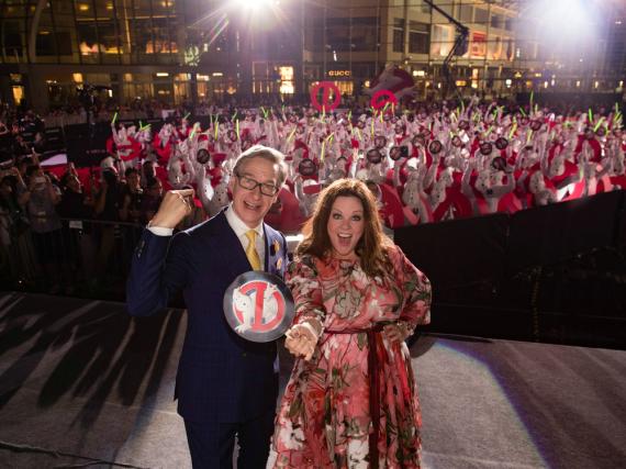 Melissa McCarthy und Regisseur Paul Feig freuen sich über die 263