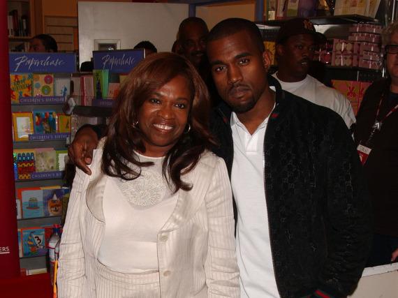 Kanye West und seine Mutter Donda im Sommer 2007
