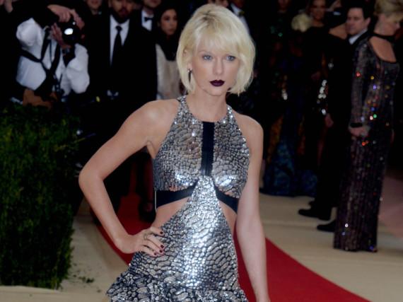 Taylor Swift hat immer noch Ärger mit Kanye West und Kim Kardashian