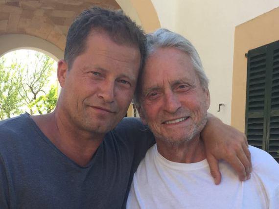 Schnappschuss aus Mallorca: Til Schweiger und Michael Douglas drehen bald gemeinsam