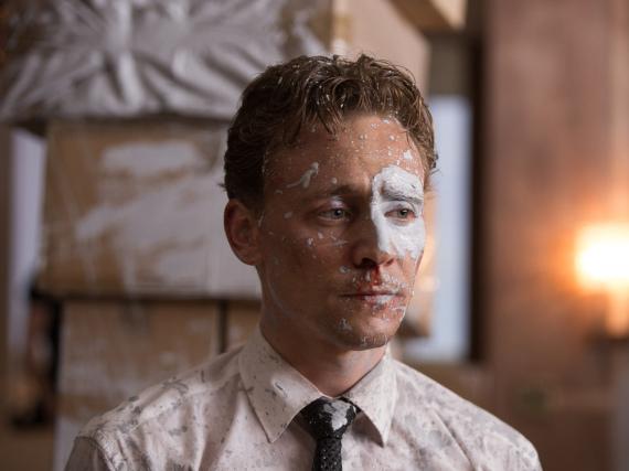 Auch wenn man es ihm nicht ansieht: Robert Laing (Tom Hiddleston) ist in diesem Moment so glücklich wie selten zuvor