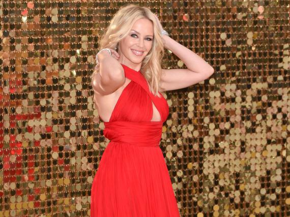 Schönheit in Rot: Kylie Minogue
