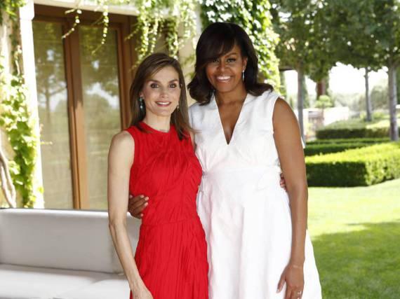 Letizia von Spanien wirkt neben Michelle Obama sehr dünn
