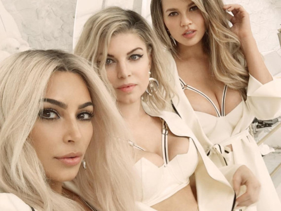 Kim Kardashian, Fergie und Chrissy Teigen (v.l.n.r.) nach dem