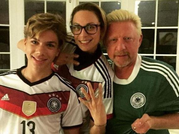 Nach dem 6:5 Sieg Deutschlands im Elfmeterschießen sind die Beckers erleichtert und überglücklich