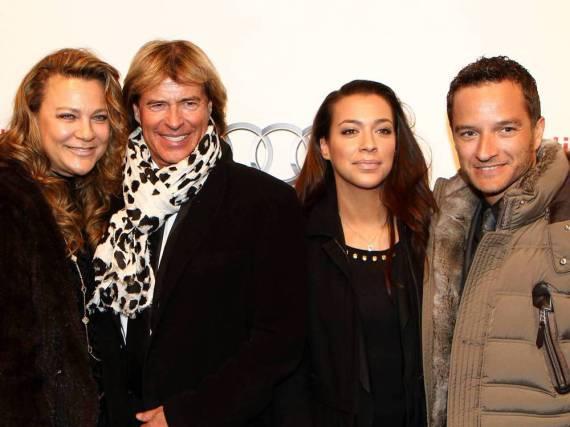 Happy family: Hansi und Romana Hinterseer (li.) freuen sich dank Tochter Jessica über Familiennachwuchs